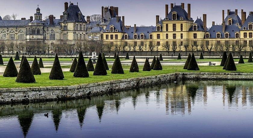 Tour From Paris to Fontainebleau