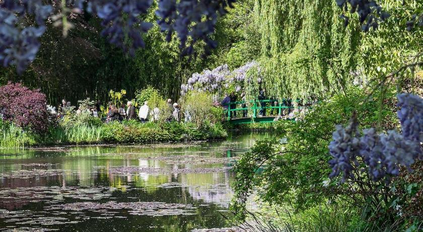 Giverny Private Tour from Paris